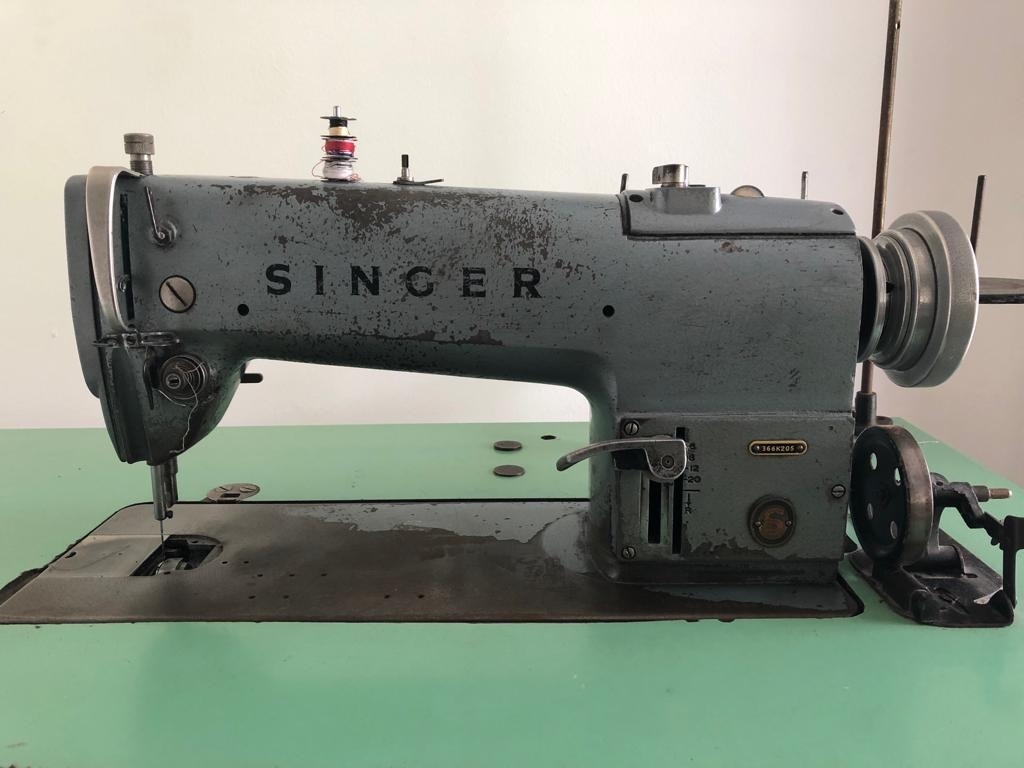 Maquina De Coser Industrial De Costura Recta Singer - U$S