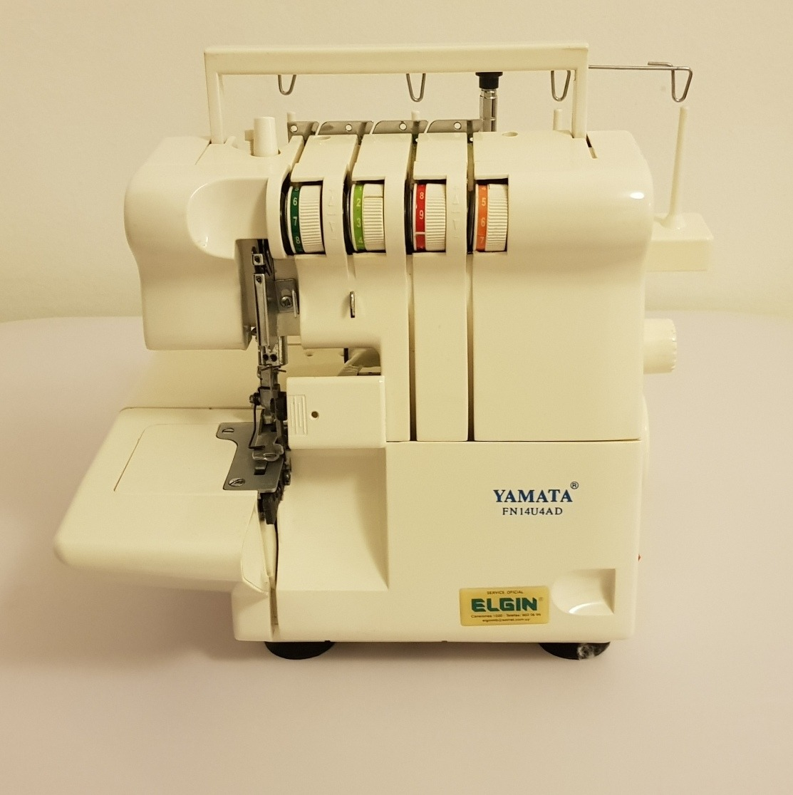 Máquina De Coser Overlock Familiar 4 Hilos Yamata - $ 8