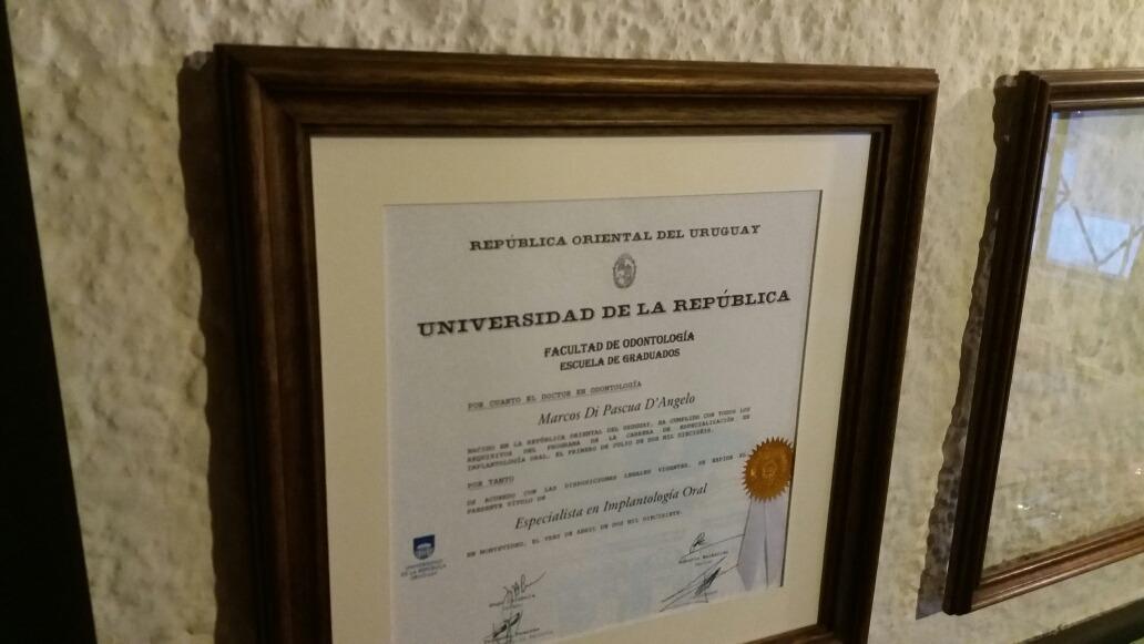 Marco Para Diploma ( Título ) Udelar - $ 1.450,00 en Mercado Libre