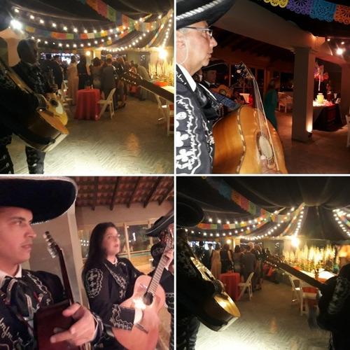 mariachis show