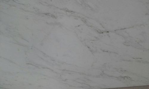 marmol pulido volakas 30,5 x 61 cm