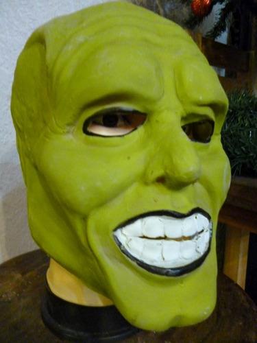 mascara en latex. la mascara.