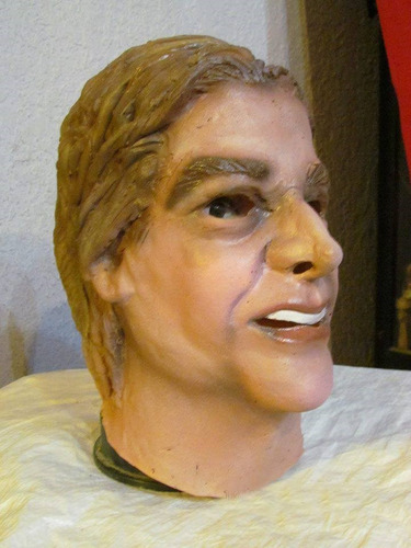 mascara en latex, lacalle pou