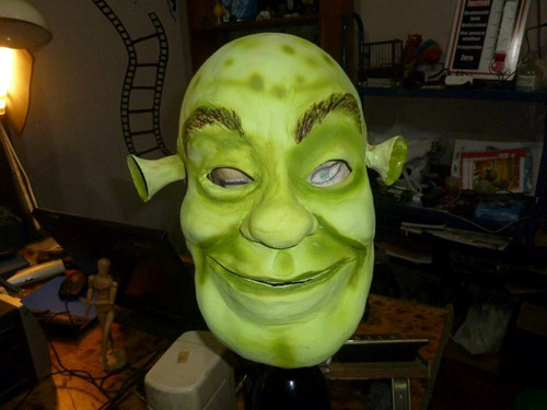 mascara en latex. shrek.