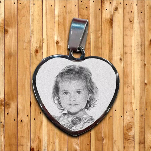 medalla grabada con foto en acero quirúrgico