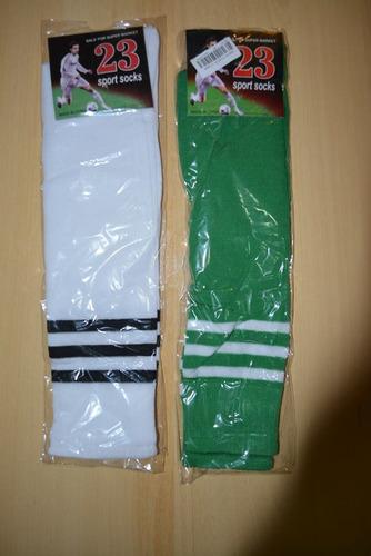 medias para hacer deportes (sólo quedan en verde)