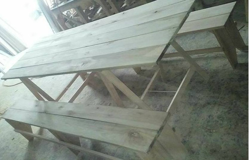 mesa con caballetes y bancos todo en eucaliptus !!!!!