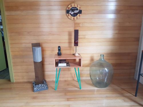 mesa de arrime en hierro y madera