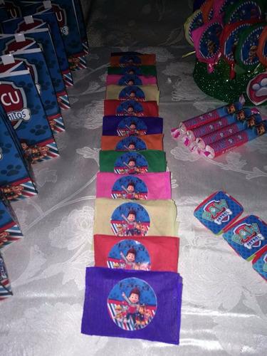 mesa de dulce personalizada para 20 niños