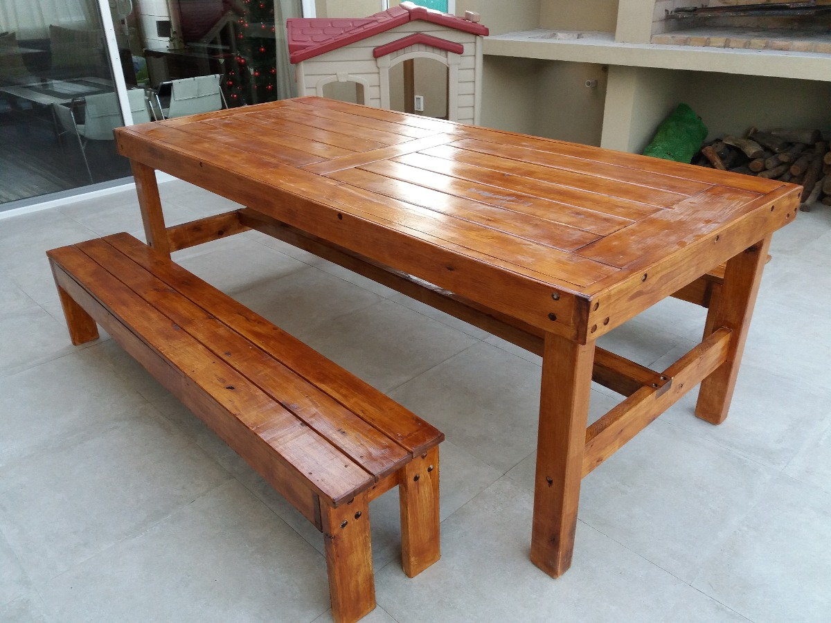 Mesa rustica en madera maciza con bancos laterales 17 for Muebles madera montevideo