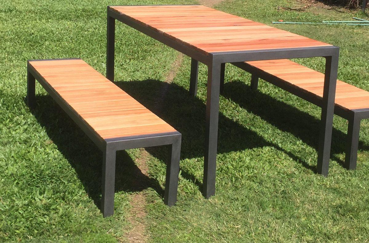 Mesa y bancos hierro madera exterior interior en mercado libre - Mesas de exterior de madera ...