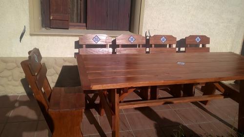 mesa y bancos rusticos en madera para barbacoa