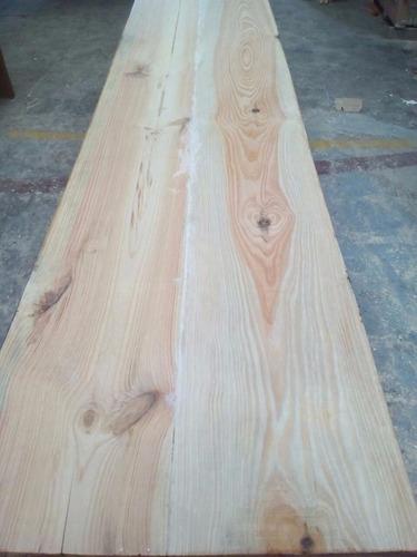 mesadas de madera a medida, bachas y todo en madera.