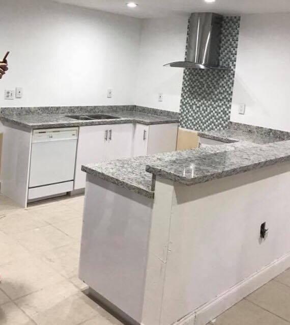 Mesadas en granito y marmol para cocinas en Barra de granito para cocina precio