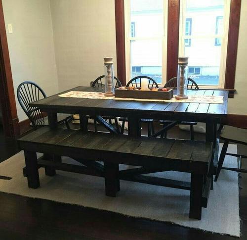 mesas con sillas de madera pallet