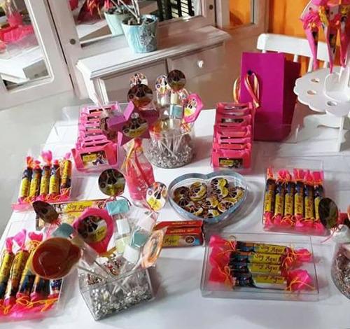 mesas de golosinas personalizadas para 30 niños