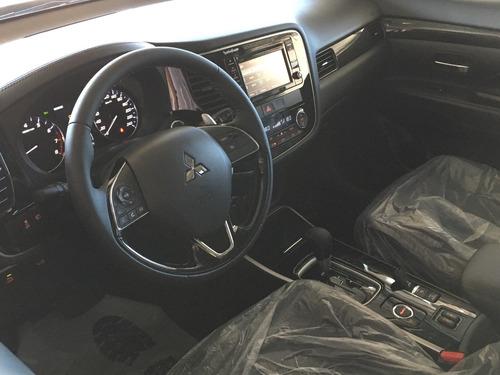 mitsubishi outlander auto