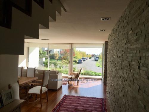 moderna casa en los olivos