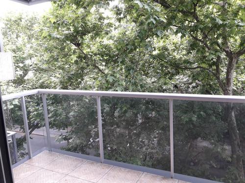 moderno mono ambiente en venta en pocitos, balcón al frente.