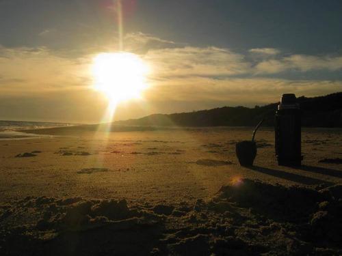 monoambiente a mts. de la playa.!!