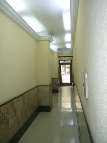 monoambiente en el centro 18 y yi  ideal estudiantes