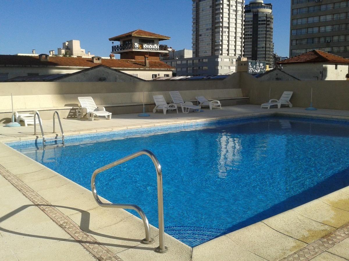 monoambiente en pleno centro con piscina.