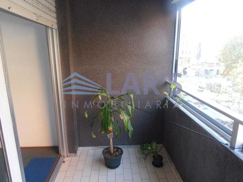 monoambiente en venta / centro - inmobiliaria lar's