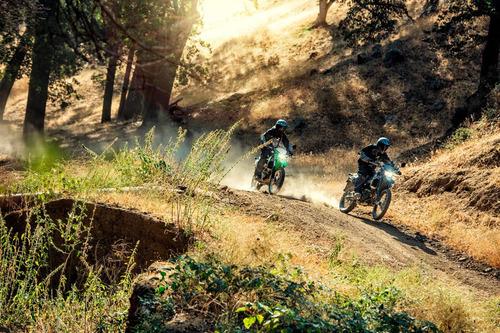 moto kawasaki klx 250 enduro