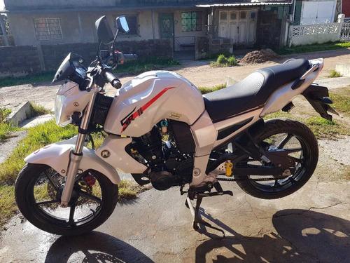 moto motomel sr2 200cc al día luces xenon,arranque y alarma