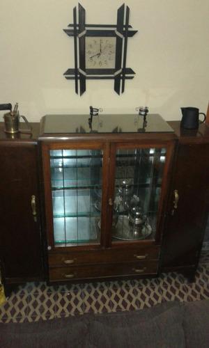 mueble cristalero atiguo
