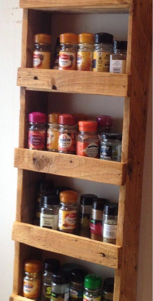 Muebles de cocina de palet estanterias en - Estanterias de cocina ...