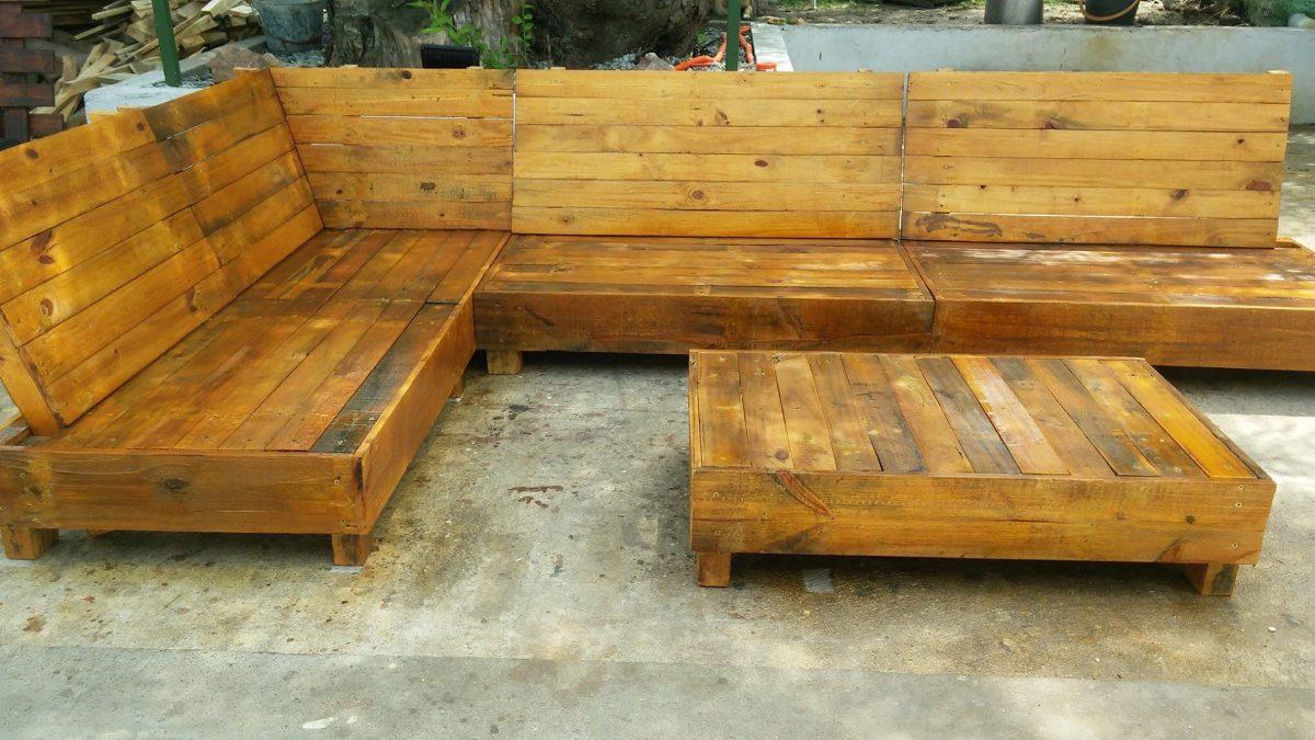 Muebles r sticos de palets palets mesas esquineros 9 for Muebles rusticos uruguay