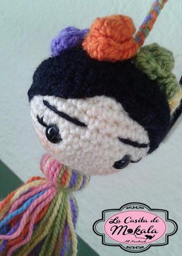 muñeco crochet amigurumi: llavero frida kahlo