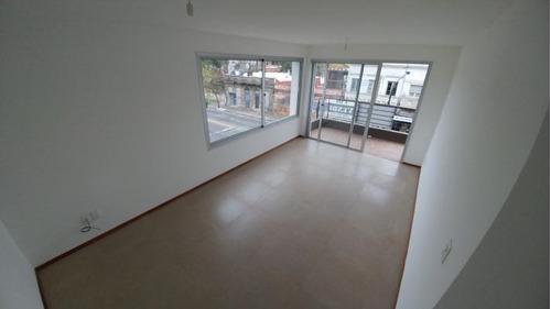 muy buen apartamento, 62m2, sobre av. agraciada, prado