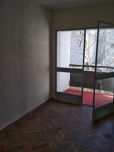 muy buen apartamento amplio, dos dormitorios