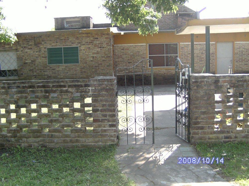 muy buena casa en solymar a 100 mts de gianastasio lado sur