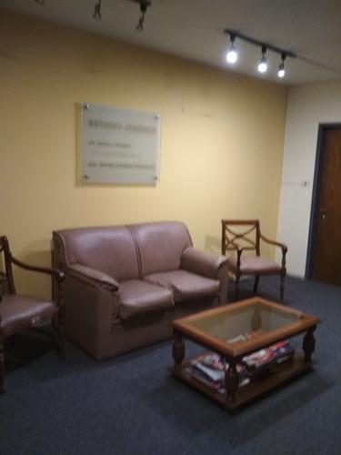 muy buena oficina totalmente amueblada en ciudadela y rincon
