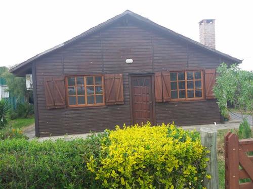 muy linda cabaña en barrio las quintitas a 2 cuadras ruta 1