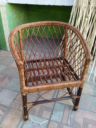 muy lindo sillones de mimbre,sirve para exterior e interior.