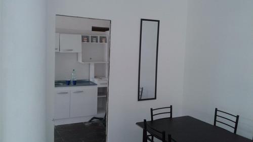 muy luminoso dos ambientes grandes baño kitchene  80 mts.2