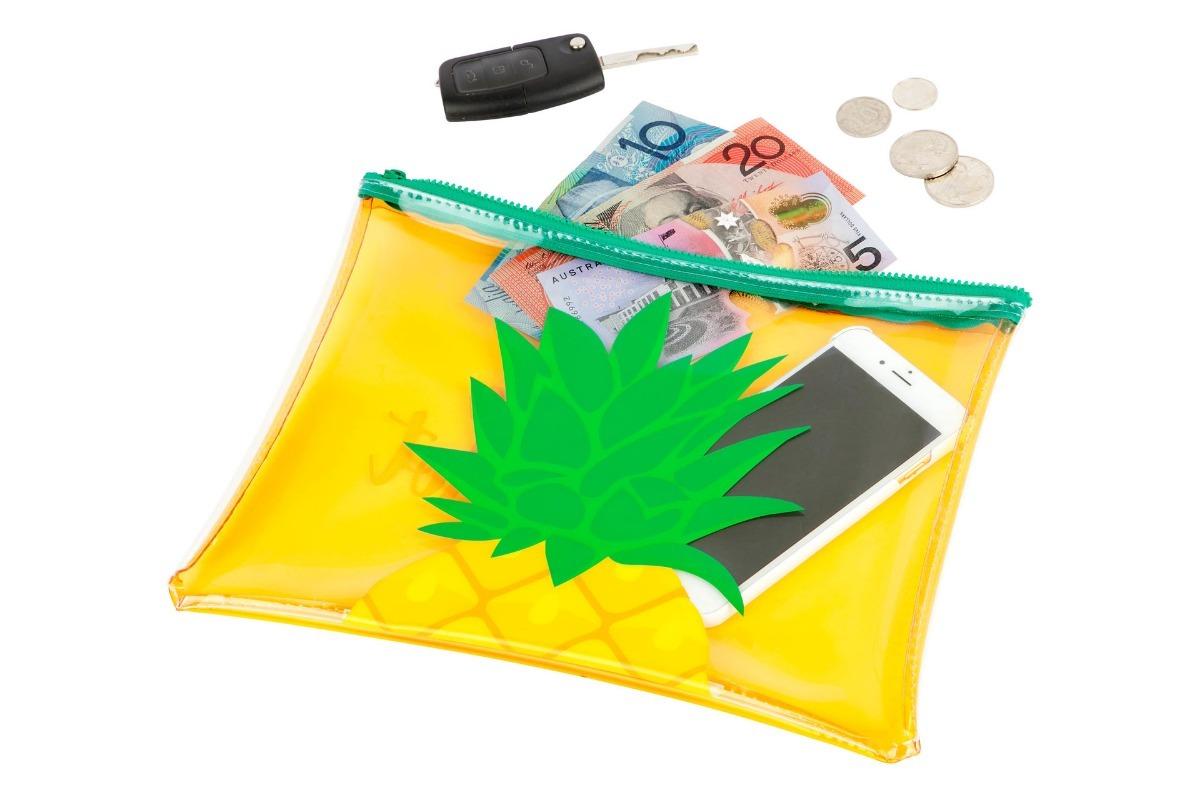 7464ac647 Neceser Para Playa Sunnylife Diseño Piña - $ 590,00 en Mercado Libre