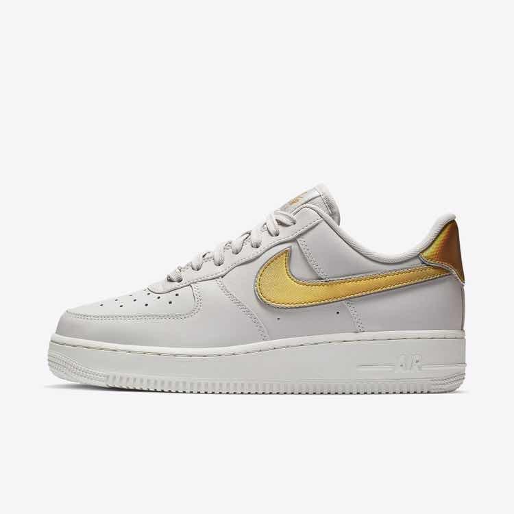 vente en magasin 51a55 5fefc Nike Air Force 1 '07 Gris- Dorado Metallic Original X Pedido