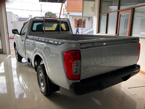 nissan  frontier  4x2 2.5 s 158 hp pick up