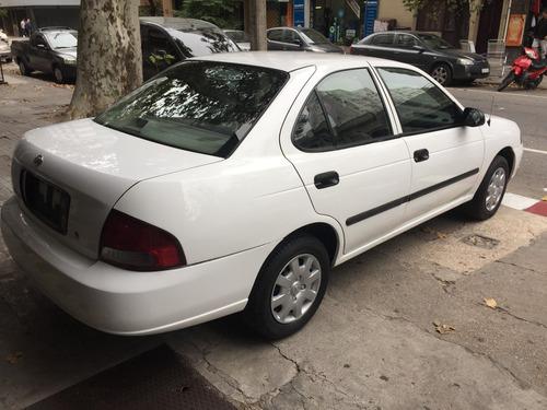 nissan sentra xe at 2001
