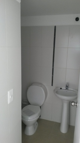 nuevo,impecable,lc,1d,baño,balcón,barbacoa,cámaras.gc bajos