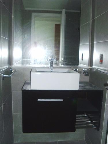 oficina. 1 ambiente. 1 baño. servicios.