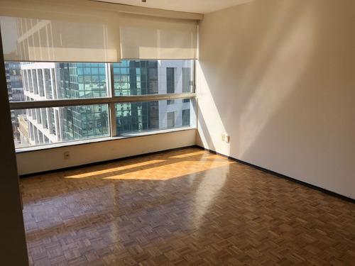 oficina 130m2 sobre plaza independencia ciudad vieja centro
