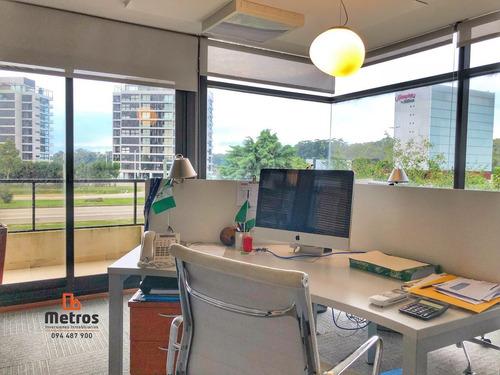oficina amueblada