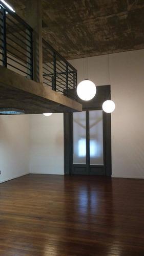 oficina de 100m2 en nuevo edificio en ciudad vieja a metros