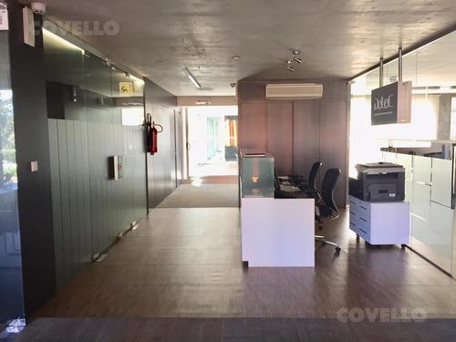 oficina de categoría, piso completo, equipada, 3 cocheras, depósito, showroom, domótica